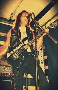 LUCK AZ - guitar 4