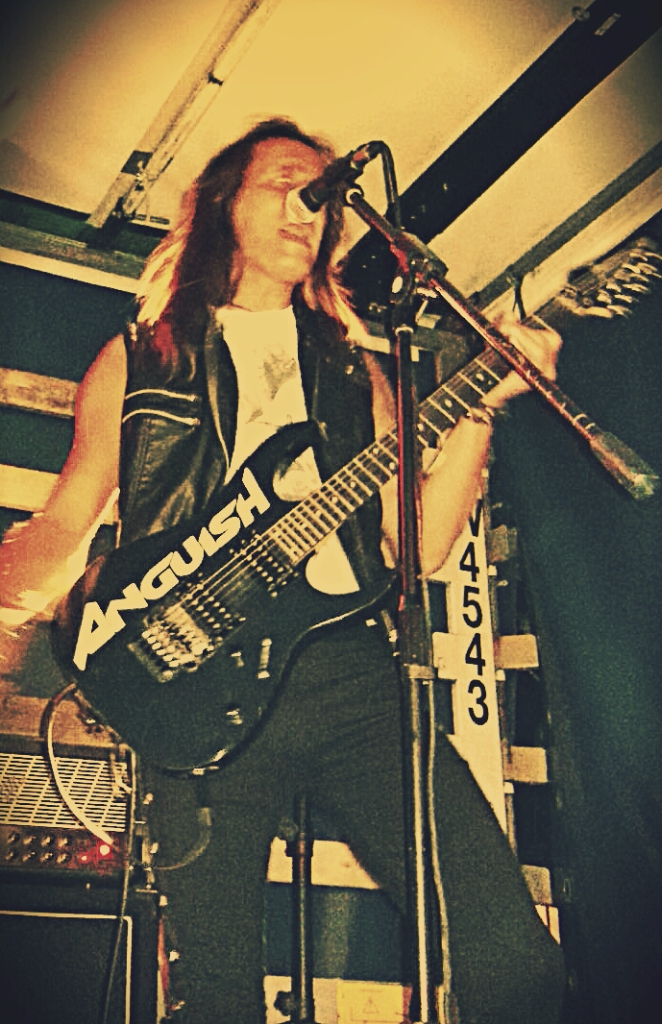 LUCK AZ - guitar 39