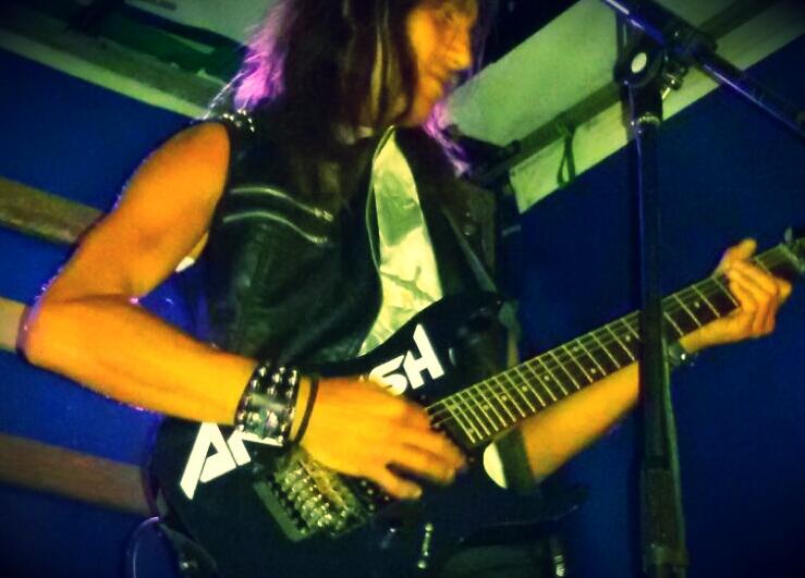 LUCK AZ - guitar 40