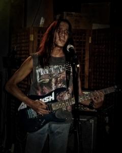 LUCK AZ - guitar 3