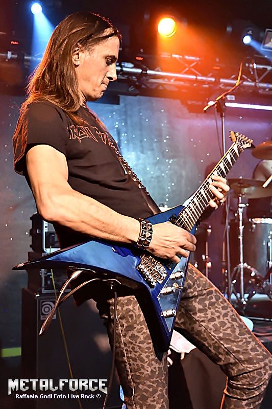 LUCK AZ - guitar 70