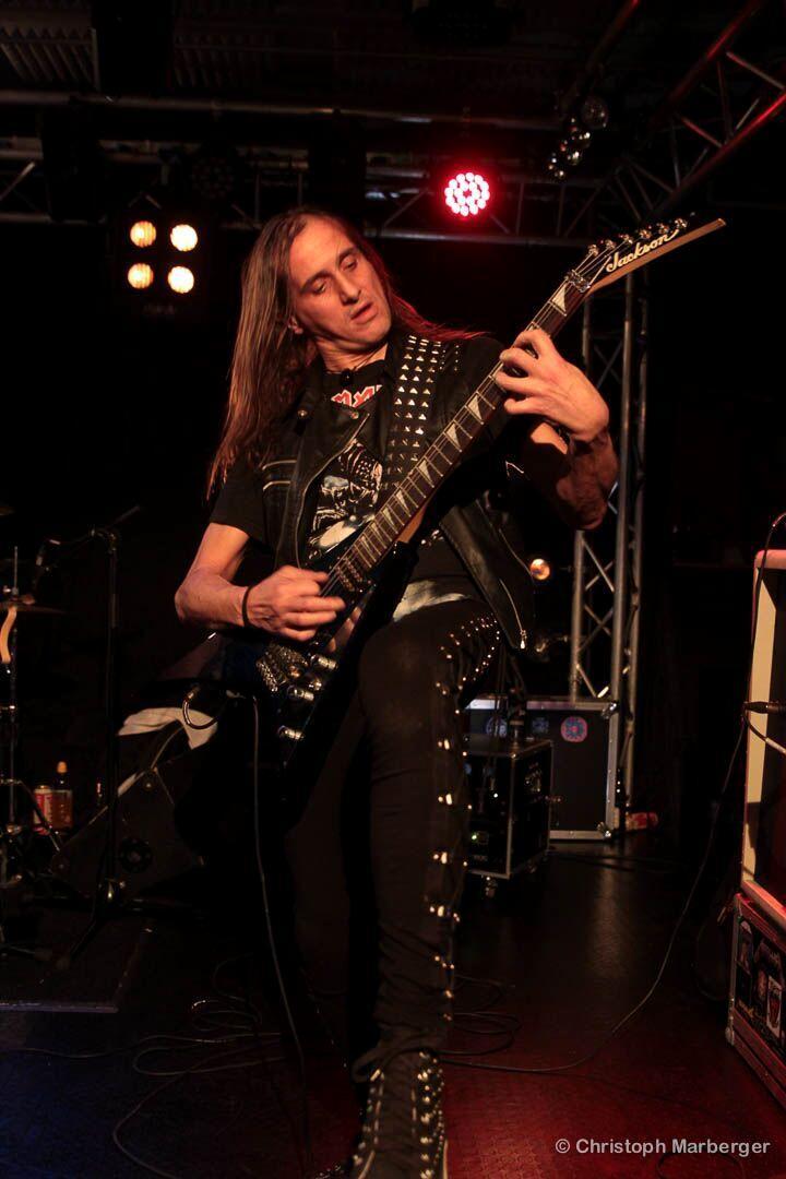 LUCK AZ - guitar 62