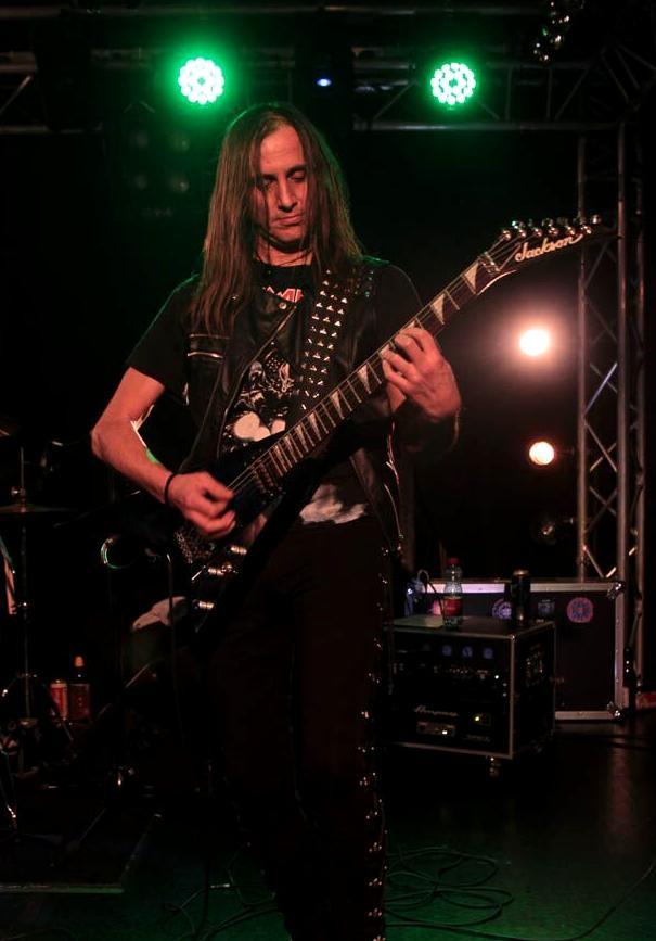 LUCK AZ - guitar 63