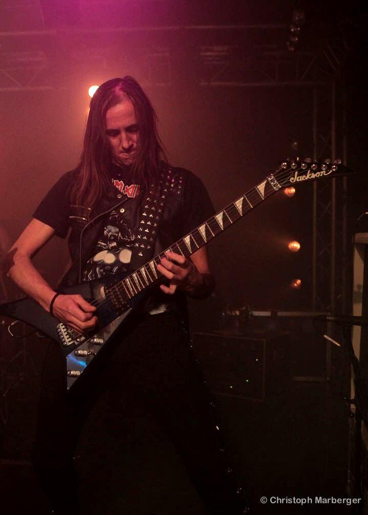 LUCK AZ - guitar 64