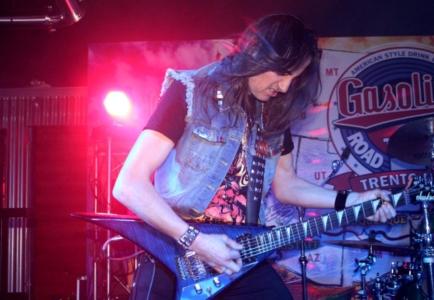 LUCK AZ - guitar 30