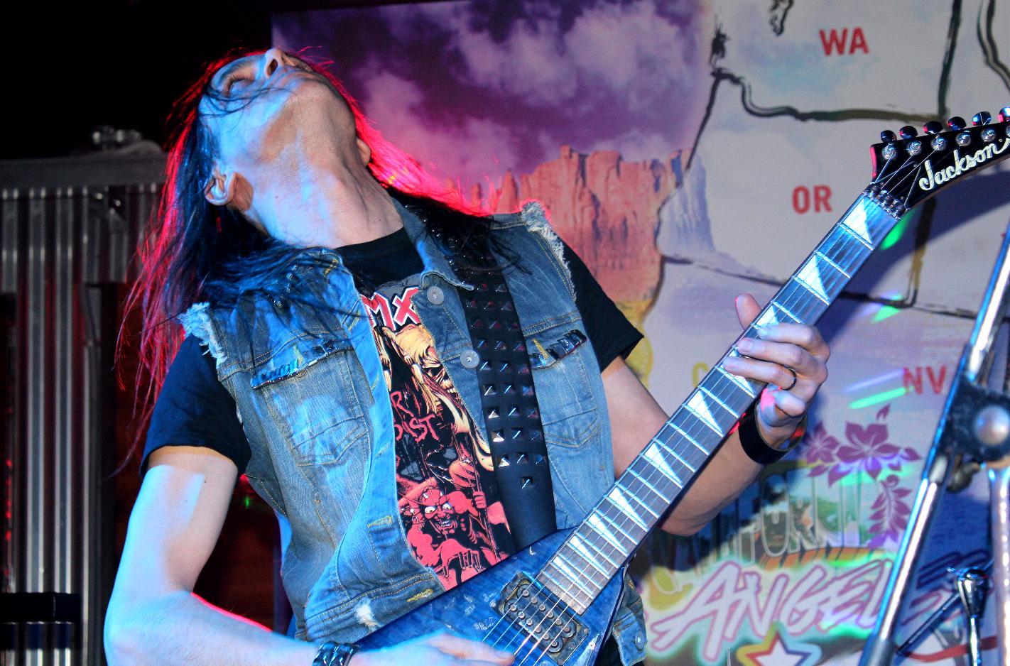 LUCK AZ - guitar 67