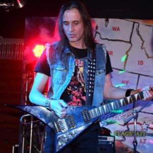 LUCK AZ - guitar 33
