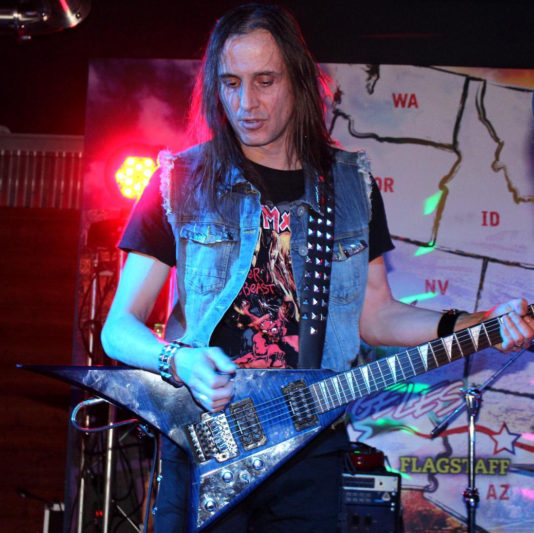 LUCK AZ - guitar 68