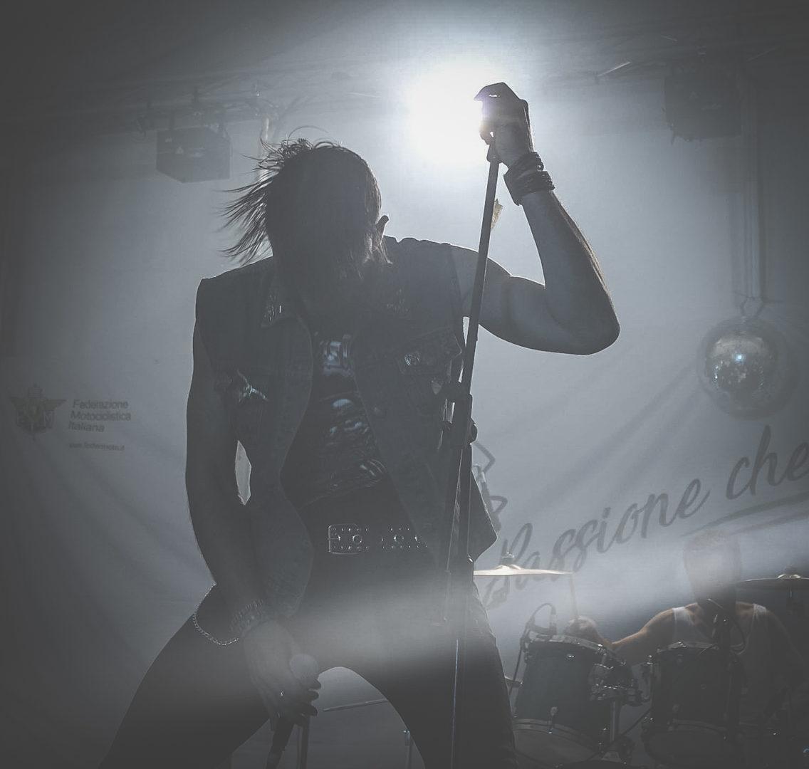 DESMO - vocals 13